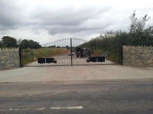 Deco gates
